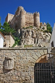 Subida murallas Castillo Almansa