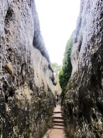 Camino estrecho Ciudad Encantada Cuenca