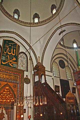 Interior decoración mezquita verde Bursa Islam