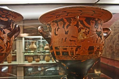 Anforas helenicas y muestras de arte en el Museo Provincial de Jaen