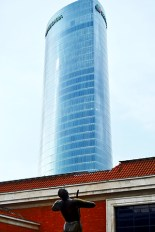 Vistas Torre Iberdrola patio Museo Bellas Artes Bilbao