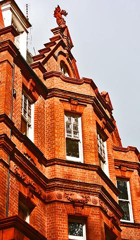 Arquitectura Tudor fachada edificio Londres