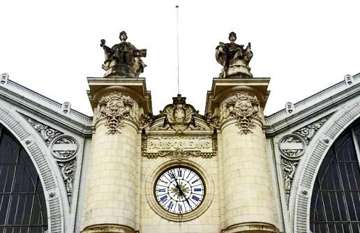 Reloj esculturas fachada principal Estación tren Tours