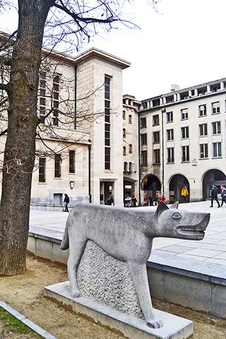 Escultura piedra centro histórico Bruselas