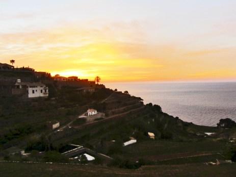 Puesta de sol bancales Banyalbufar sierra Tramontana Mallorca
