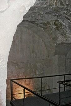 Interior baños árabes Convento La Merced Elche