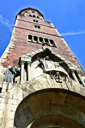 Escultura Jesucristo torre ayuntamiento Plaza Mercado Cracovia