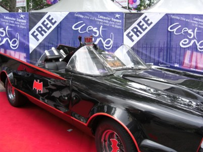 Batmovil West End cine premiere Londres