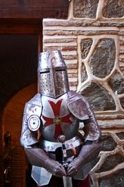 Armadura caballero espada entrada Monasterio San Clemente Toledo