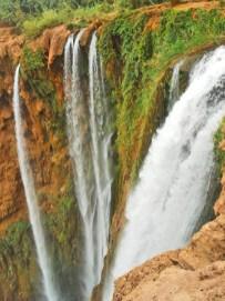 Contrapicado caída agua cascadas Ouzoud