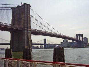Puente Brooklyn río East Nueva York