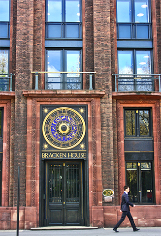 Reloj astronómico Bracken House La City Londres