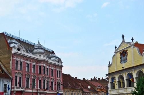 Edificios históricos centro Brasov Rumanía