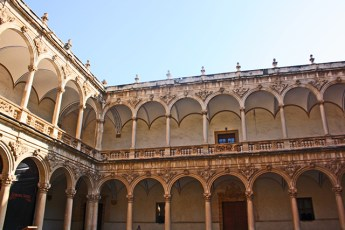 Claustro arcos Antigua Universidad Alicante Alicante