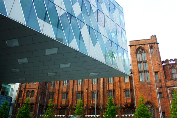 Visión ruptura línea rascacielos John Rylands Library Manchester
