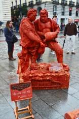 Mimos barro rojo petrificados Puerta Sol Madrid