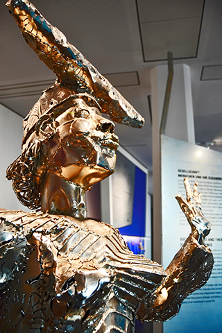 Escultura contempiránea África Ubersee-Museum Bremen