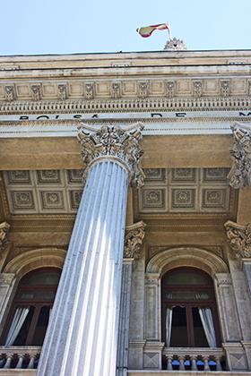 Picado columna corintia entrada Bolsa de Madrid