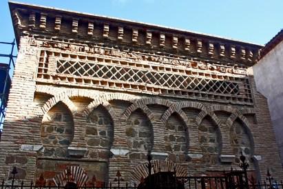 Fachada decoración simetría entrada Cristo de la Luz Toledo