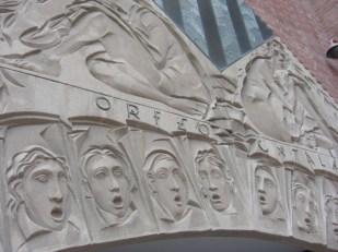 Friso esculturas relieves cantantes Orfeón Catalán Palau de la Música Catalana Barcelona