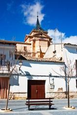Plaza mayor banco torre Monasterio Uclés Cuenca
