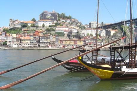 Barcos bodegas Oporto río Duero