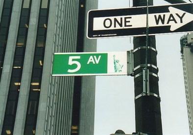 Señales Quinta Avenida dirección única calles Nueva York