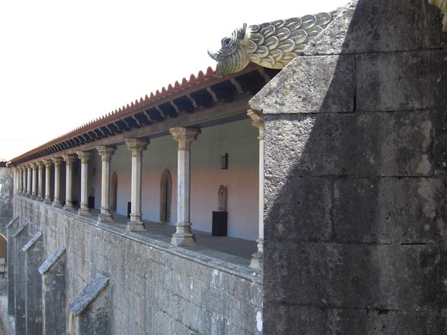 Claustro superior y gárgola Monasterio de Batalha