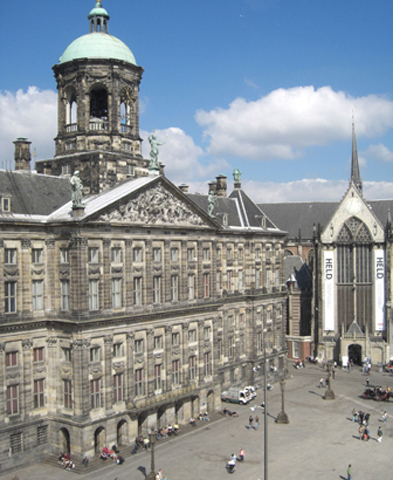 Fachada Palacio Real Plaza Damm Amsterdam