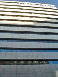 Picado fachada imponente cristal Hotel Hesperia Lucentum centro histórico Alicante