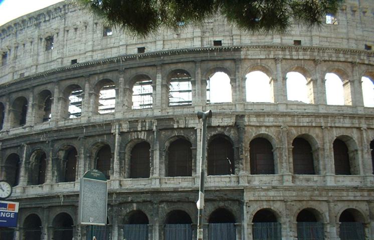 Fachada Coliseo Roma