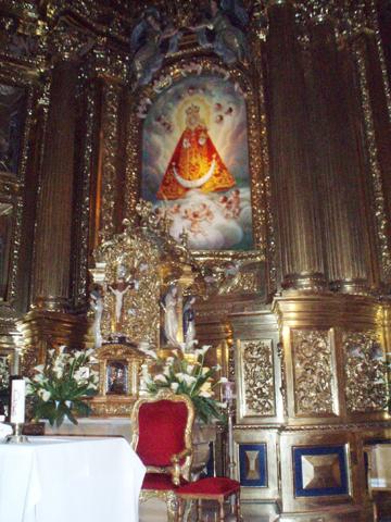 Altar mayor imagen Virgen Fuensanta patrona Murcia