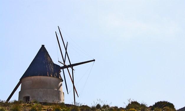 Molino tradicional paisajes Playa de los Genoveses Almería