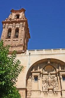 Fachada torre renacentista iglesia Asunción Almansa
