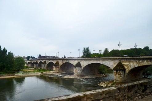 Puente George V río Sena Orleans