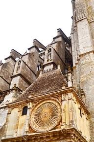 Decoración acabados piedra pórtico sur catedral gótica Chartres Francia