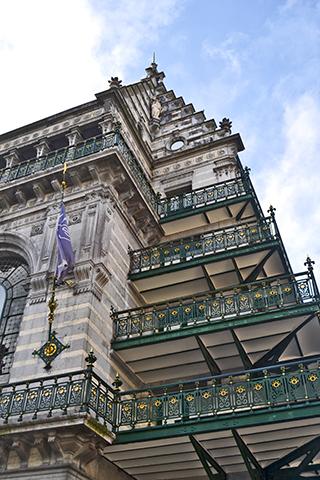 Edificio fachada arquitectura modernista suburbios Bruselas