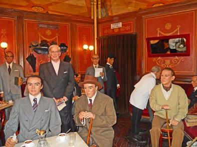 Escritores famosos literatura muñecos cera Museo cera Madrid