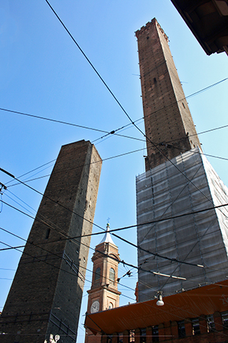 Picado dos torres Bolonia
