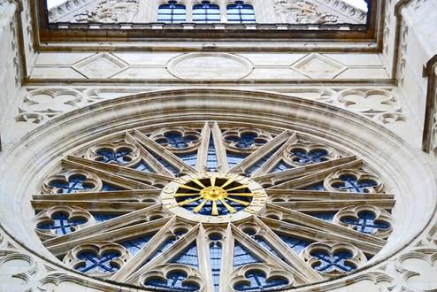Rosetón gótico fachada Catedral Orleans Francia