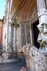 Esculturas león Catedral románica Ferrara