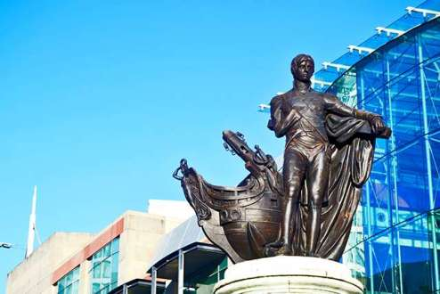 Estatua Lord Nelson Selfridges & Co Birmingham