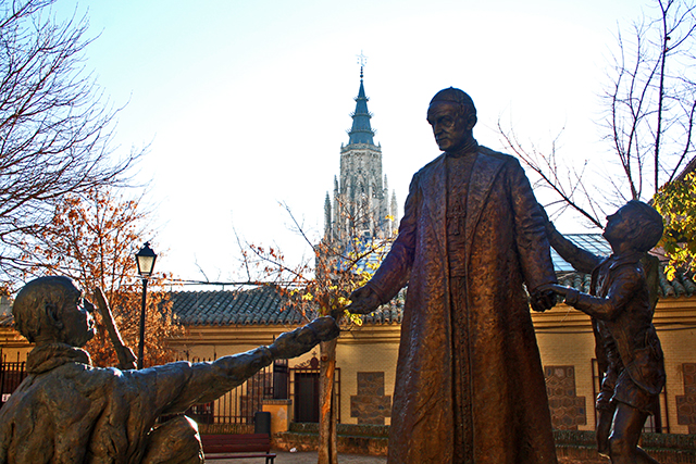Escultura religiosa Iglesia San Ildefonso Plaza Padre Juan de Mariana Toledo