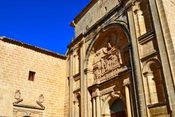 Fachada portada relieves Ruinas Capilla de los de Benavides San Francisco Baeza