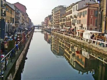 Panorámica barrio Naviglio río rastro Milán