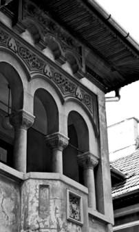 Fachada y ventanas vivienda calle París Bucarest