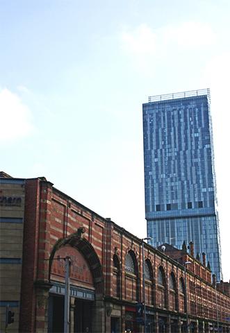 Rascacielos azul Oxford Road Manchester