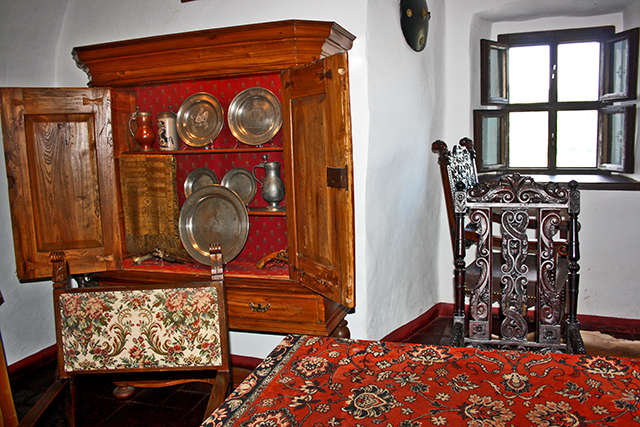 Decoración sala interior habitación castillo río Dunajec