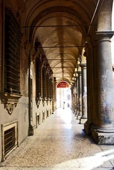 Soportales calles Bolonia