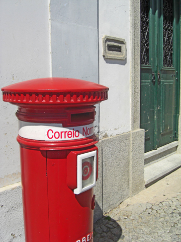 Buzón correos rojo Evora